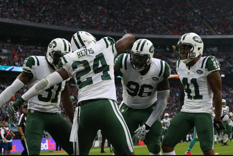 Darrelle Revis confidant: 'He doesn't want to play