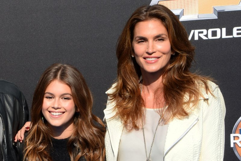 Cindy Crawford Is OK With Not Looking 20 Anymore