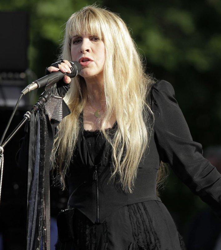 Stevie Nicks - Songs, Age & Spouses - Biography