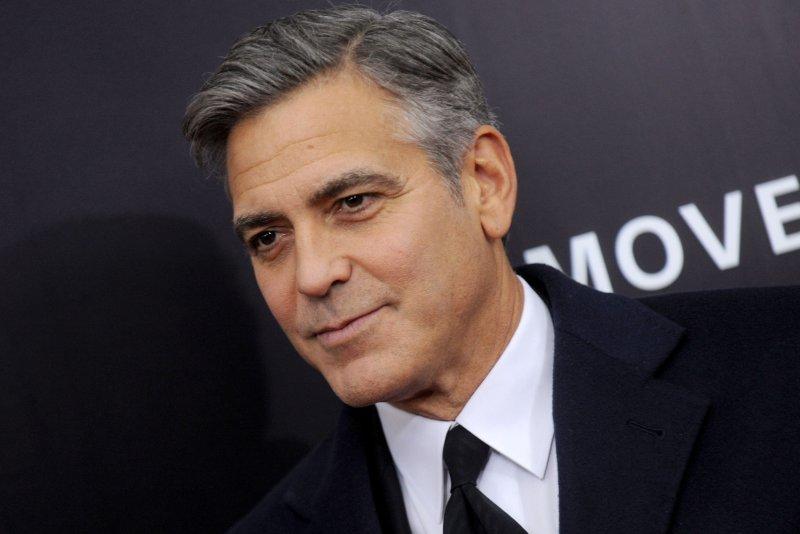Clooney acude a hospital alemán por problemas de espalda