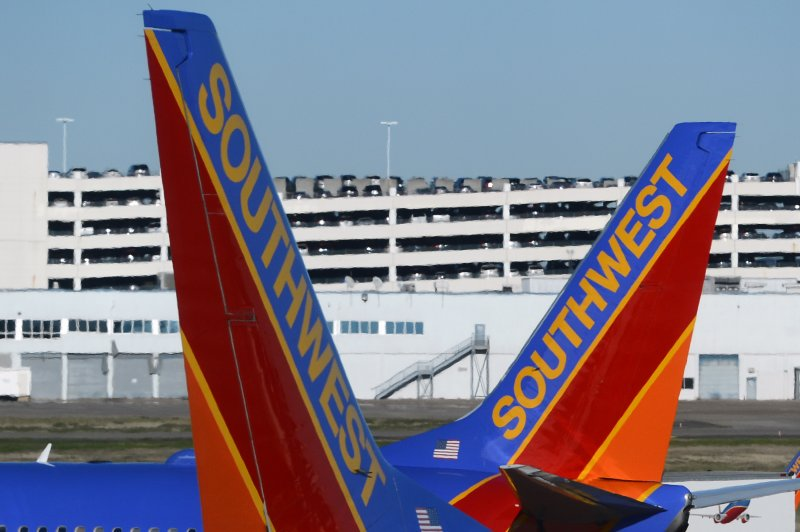 Southwest Airlines' website returns with limited functionality during holiday rush