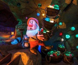 http://cdnph.upi.com/sv/em/i/UPI-1041399135172/2014/1/13991360409379/Fantasyland-ride-features-Seven-Dwarfs.jpg