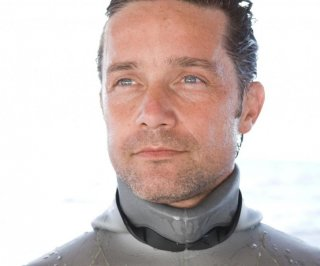 http://cdnph.upi.com/sv/em/i/UPI-1691401644665/2014/1/14016455422991/Jacques-Cousteaus-grandson-to-spend-31-days-under-water.jpg