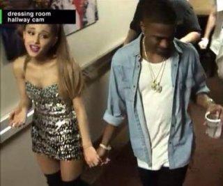 http://cdnph.upi.com/sv/em/i/UPI-1751408986424/2014/1/14089897099460/Ariana-Grande-Big-Sean-spotted-holding-hands-at-2014-VMAs.jpg
