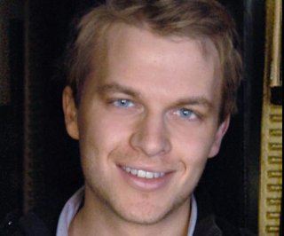 http://cdnph.upi.com/sv/em/i/UPI-1771380764232/2013/1/13807642981766/Ronan-Farrow-pokes-fun-at-the-Frank-Sintara-Woody-Allen-paternity-rumors.jpg