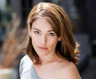 http://cdnph.upi.com/sv/em/i/UPI-2061396894151/2014/1/13968959377415/Felicity-star-Amy-Jo-Johnson-will-join-cast-of-Covert-Affairs.jpg