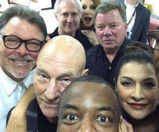 http://cdnph.upi.com/sv/em/i/UPI-2311409258726/2014/1/14092628712779/Super-Star-Trek-selfie-features-Next-Gen-cast-and-grumpy-Shatner.jpg