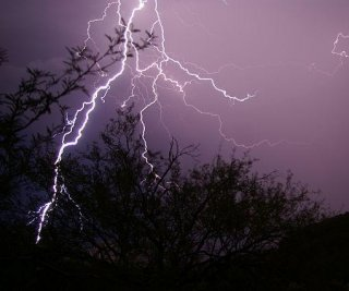 http://cdnph.upi.com/sv/em/i/UPI-2471406500845/2014/1/13979314048442/Seven-injured-by-lightning-in-California.jpg