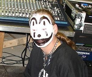 http://cdnph.upi.com/sv/em/i/UPI-2601404844061/2014/1/13891994257773/Insane-Clown-Posse-suit-against-FBI-tossed-out-Juggalos-are-offically-considered-a-gang.jpg
