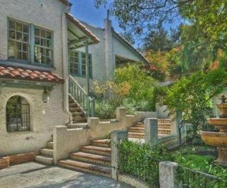 http://cdnph.upi.com/sv/em/i/UPI-3121394452455/2014/1/13944532385232/Jared-Padalecki-sold-his-California-house-for-24-million.jpg