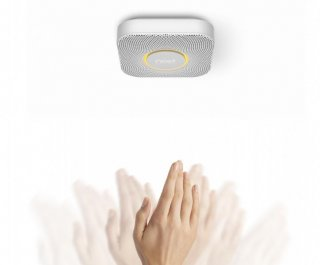 http://cdnph.upi.com/sv/em/i/UPI-3371396644083/2014/1/13966449845736/Google-acquisition-Nest-halts-smoke-alarm-sales.jpg
