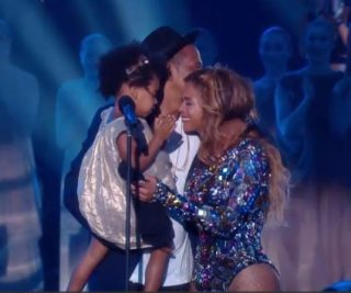 http://cdnph.upi.com/sv/em/i/UPI-3511408982599/2014/1/14089859442505/Blue-Ivy-Jay-Z-bring-Beyonce-to-tears-at-2014-VMAs.jpg