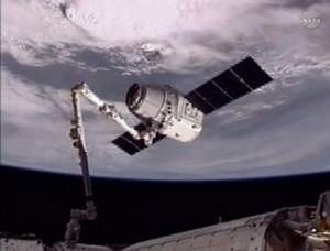 http://cdnph.upi.com/sv/em/i/UPI-36291337966653/2012/1/13379656145153/History-made-as-Dragon-meets-space-station.jpg