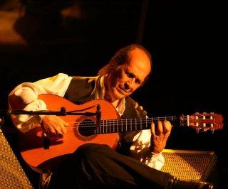 http://cdnph.upi.com/sv/em/i/UPI-3731393431289/2014/1/13934325668623/Flamenco-guitarist-Paco-de-Lucia-dies-at-age-66.jpg