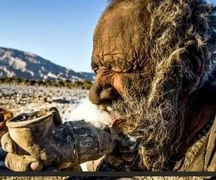 http://cdnph.upi.com/sv/em/i/UPI-3831389993103/2014/1/13899933165578/Dirtiest-man-in-the-world-smokes-animal-feces-and-hasnt-bathed-in-60-years.jpg