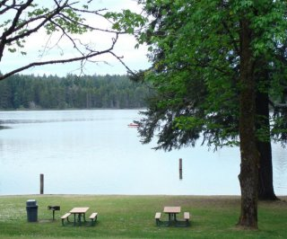 http://cdnph.upi.com/sv/em/i/UPI-3871405528353/2014/1/14055297812658/Washington-lake-closed-after-200-swimmers-get-sick-from-mystery-virus.jpg
