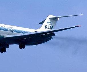 http://cdnph.upi.com/sv/em/i/UPI-3931389096795/2014/1/13890974124148/Deltas-last-DC-9-passenger-jet-takes-final-flight.jpg