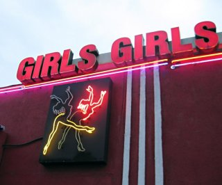 http://cdnph.upi.com/sv/em/i/UPI-4091394543134/2014/1/13898892031778/San-Diego-police-raid-strip-club-and-take-photos-for-investigative-purposes.jpg