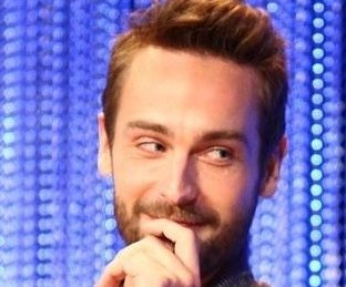 http://cdnph.upi.com/sv/em/i/UPI-4471401662748/2014/1/14016660585445/Sleepy-Hollow-actor-Tom-Mison-marries.jpg