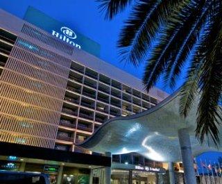 http://cdnph.upi.com/sv/em/i/UPI-4501386884344/2013/1/13868864194335/Hilton-shares-spike-75-percent-in-stock-market-debut.jpg