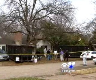 //cdnph.upi.com/sv/em/i/UPI-4861396025413/2014/1/13960258183143/Texas-hoarder-found-dead-behind-10-foot-wall-of-trash.jpg