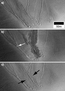 http://cdnph.upi.com/sv/em/i/UPI-4971371046431/2013/1/13710488796680/Mars-Dry-ice-hovercraft-sled-down-sand-dunes.jpg