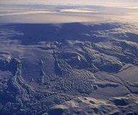 http://cdnph.upi.com/sv/em/i/UPI-5011408825370/2014/1/14088311573021/Iceland-volcano-erupts-under-glacier.jpg