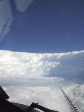 http://cdnph.upi.com/sv/em/i/UPI-50761338563262/2012/1/13385634846275/Forecasters-Beryl-not-a-harbinger-of-2012.jpg