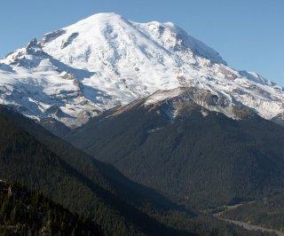 http://cdnph.upi.com/sv/em/i/UPI-5121401653209/2014/1/14016539859896/Mount-Rainier-climbers-presumed-dead.jpg