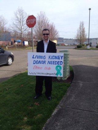 http://cdnph.upi.com/sv/em/i/UPI-5231395347874/2014/1/13953489724021/Man-panhandles-for-kidney-donor.jpg