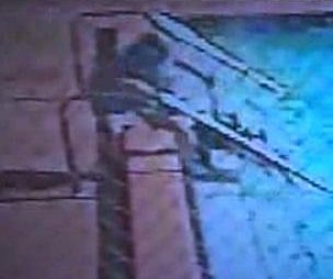 http://cdnph.upi.com/sv/em/i/UPI-5641400764901/2014/1/14007652667512/Shocking-video-Electrified-pool-jolts-kids-in-Florida.jpg