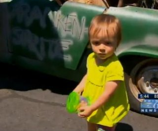 http://cdnph.upi.com/sv/em/i/UPI-5661373499764/2013/1/13735001021911/Toddler-buys-Austin-Healey-Sprite-car-on-eBay-using-dads-smartphone.jpg