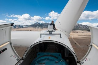 http://cdnph.upi.com/sv/em/i/UPI-5731426585237/2015/1/14265856029518/US-to-fund-bigger-wind-turbine-blades.jpg