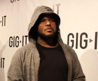 http://cdnph.upi.com/sv/em/i/UPI-5811403317054/2014/1/14033186103897/Schoolboy-Q-in-vehicle-fired-upon-at-Red-Rocks.jpg