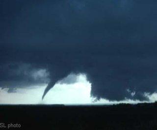 http://cdnph.upi.com/sv/em/i/UPI-5821403037278/2014/1/14030384925495/Southern-Ontario-prepares-for-rare-tornadoes.jpg