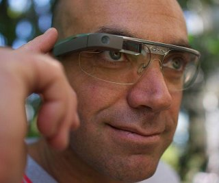 http://cdnph.upi.com/sv/em/i/UPI-5871390917811/2014/1/13909213819121/Google-Glass-to-come-with-prescription-lenses.jpg