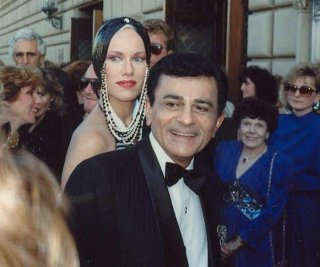 http://cdnph.upi.com/sv/em/i/UPI-5871398684752/2014/1/13986861519226/Casey-Kasem-turns-82-at-hospital-fans-hold-vigil-in-his-name.jpg
