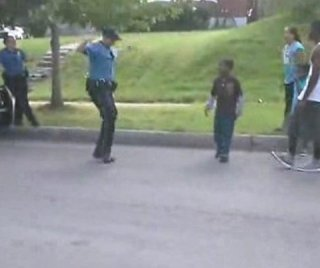 http://cdnph.upi.com/sv/em/i/UPI-5911408037177/2014/1/14080373681817/Kansas-City-cop-gets-schooled-in-dance-off-with-neighborhood-kids-on-video.jpg
