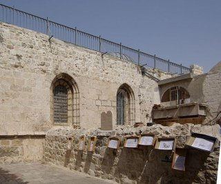 http://cdnph.upi.com/sv/em/i/UPI-6171399910569/2014/1/13999115505211/Orthodox-Jews-protest-Pope-Francis-visit-to-Jerusalem.jpg