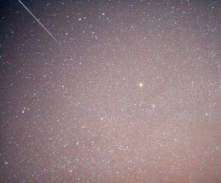 http://cdnph.upi.com/sv/em/i/UPI-6221386800986/2013/1/13868022263215/Geminid-meteor-shower-to-begin-early-Friday-morning.jpg