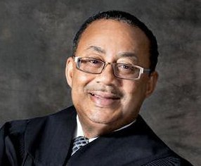 http://cdnph.upi.com/sv/em/i/UPI-6341409688601/2014/1/14096899943373/Judge-Belvin-Perry-presided-over-Casey-Anthony-trial-joins-private-firm.jpg