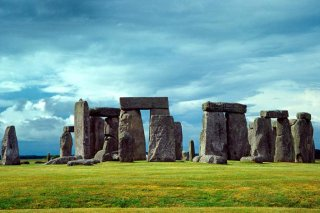 http://cdnph.upi.com/sv/em/i/UPI-6441398793683/2014/1/13987948538678/Plans-considered-for-a-tunnel-under-Stonehenge.jpg