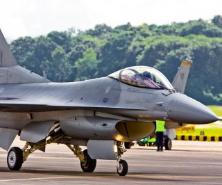 http://cdnph.upi.com/sv/em/i/UPI-6531402689724/2014/1/14026903366994/Singapore-asks-US-for-continued-pilot-training.jpg
