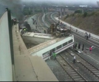 http://cdnph.upi.com/sv/em/i/UPI-69051374817703/2013/1/13747554317344/Driver-of-train-that-derailed-in-Spain-charged.jpg