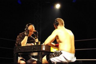 http://cdnph.upi.com/sv/em/i/UPI-69471335297966/2012/1/13353017222888/Chessboxing-uses-fighters-brains-brawn.jpg