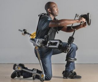 http://cdnph.upi.com/sv/em/i/UPI-7191408473145/2014/1/14084733301293/Navy-to-test-Lockheed-Martins-FORTIS-exoskeleton.jpg