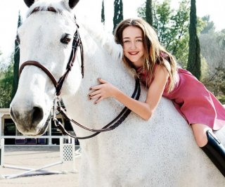 http://cdnph.upi.com/sv/em/i/UPI-7351365703625/2013/1/13657046771387/Noah-Cyrus-Miley-Cyruss-sister-stole-Justin-Biebers-clothes.jpg