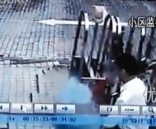http://cdnph.upi.com/sv/em/i/UPI-7401364396522/2013/1/13643968493245/VIDEO-Sinkhole-swallows-man-in-China.jpg