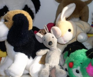 //cdnph.upi.com/sv/em/i/UPI-7531404307860/2014/1/14043080757643/Suspected-meth-smoker-found-hiding-in-box-of-stuffed-animals-after-alleged-burglary.jpg