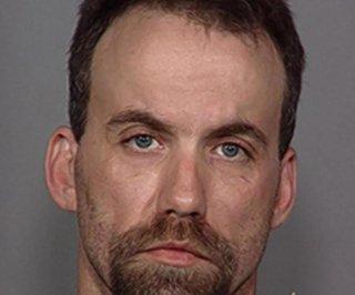 http://cdnph.upi.com/sv/em/i/UPI-7991398698132/2014/1/13986985535127/Oregon-man-demands-marijuana-and-Mountain-Dew-during-eight-hour-police-standoff.jpg